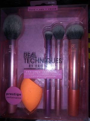 Mix of makeup brushes for Sale in Seattle, WA
