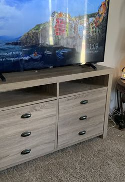 tv stand/ entryway table PICK UP ONLY for Sale in Fresno,  CA