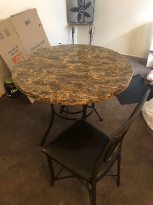 Kitchen table 4 chairs for Sale in Bell Gardens, CA