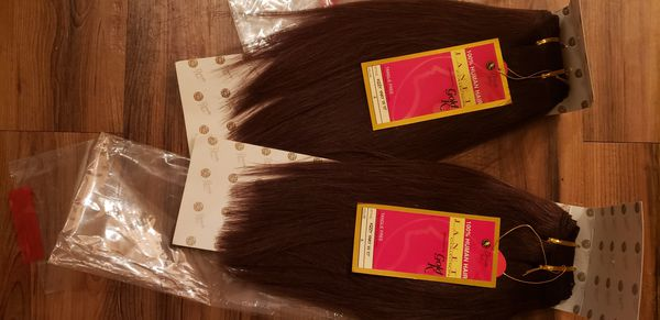 2 packs of color 4 and 10 inches 💋 No trades