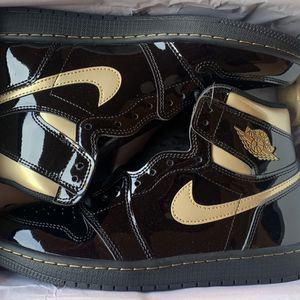 Jordan Retro 1 Ds Black N Gold Size 9 for Sale in Lynwood, CA
