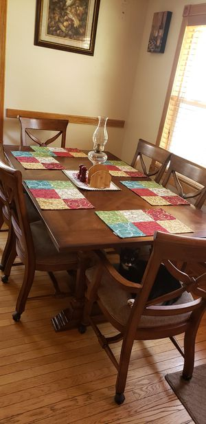 Dining room table for Sale in Independence, MO