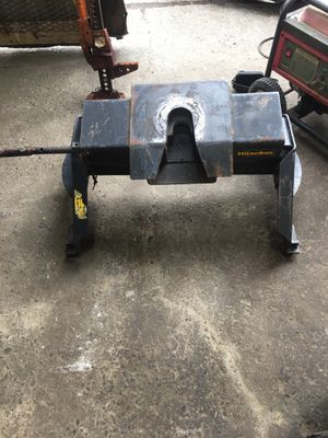 Fifth wheel hitch for Sale in Tacoma, WA