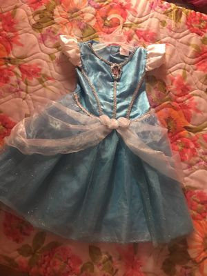 $10 3T cinderella dress costume. In good condition. for Sale in Eagle Lake, FL