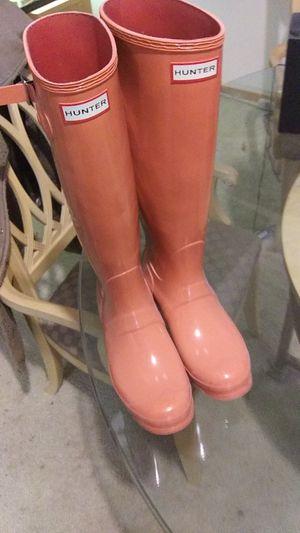 Womens size 8 pink hunter rain boots for Sale in Arlington, WA
