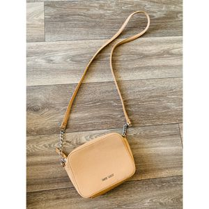 Nine West purse for Sale in Clarksville, TN