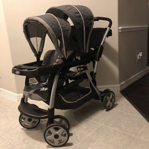 New and Very Gently Used Graco Ready2Go LX Double Stroller. for Sale in Pearland, TX