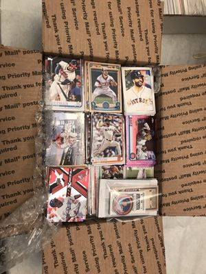 Medium flat rate box filled with baseball cards for Sale in Centereach, NY