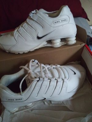 Nike shox men 9 for Sale in BRECKNRDG HLS, MO