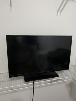 32 Inch Samsung TV w/o A Remote for Sale in Kirkland,  WA