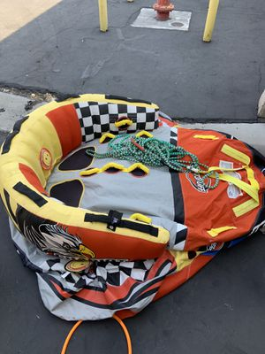 Boat towable three seater inflatable Comes with $50 rope and everything for Sale in Las Vegas, NV