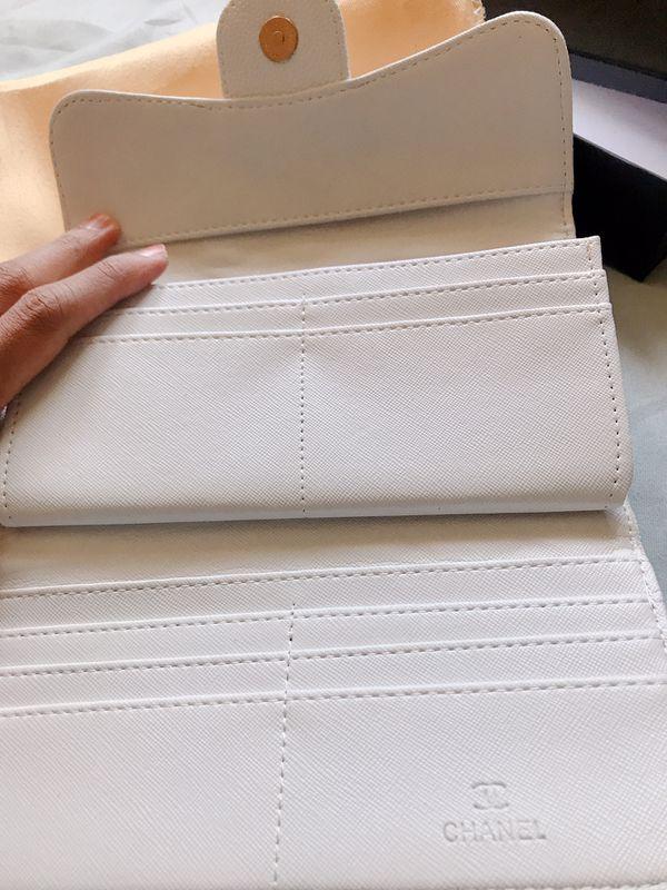 White Chanel Wallet