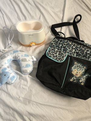 Bottle warmer diaper bag and tummy time pillow for Sale in Las Vegas, NV