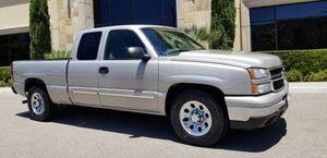 2006 Chevrolet Silverado clean title 4 doors for Sale in San Marcos, CA