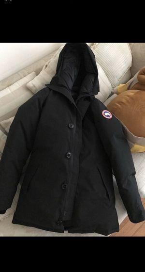 Canada goose jacket men's chateau parka large for Sale in Philadelphia, PA