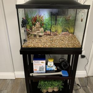 20 Gallon Fish Tank With Supplies for Sale in Miami, FL