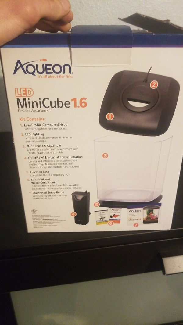 Aqueon 1.6g mini cube with lights and filter