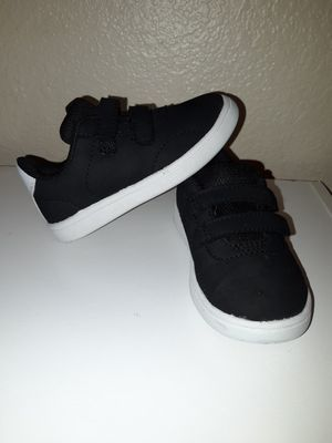 Black toddler boy shoe size 6c for Sale in Kent, WA