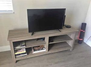 Tv/console stand for Sale in North Miami, FL