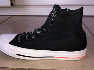 Black high top converse with holographic polka dot laces. for Sale in Poinciana, FL