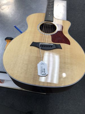 TAYLOR 214CCDLX GUITAR ACOUSTIC for Sale in Raleigh, NC