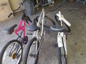 2 beach cruisers $80 for both take pink one for free for Sale in Rialto, CA