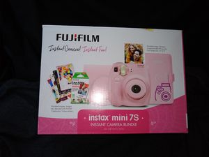 Instant mini 7s-instant camera bundle for Sale in Fremont, CA