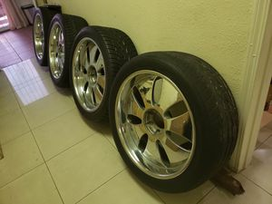 "SET OF 4 RIMS WITH TOYO TIRES SIZE 23"" for Sale in Las Vegas, NV"