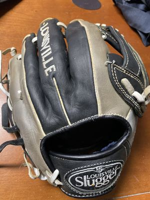 Omaha Select Pro select baseball glove 11.5 for Sale in Millersville, MD