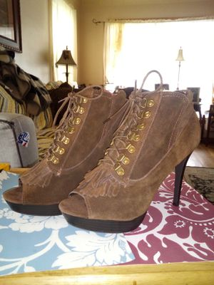 N.Y.L.A. Brown Lace Up Heels Open Toe Fringe SZ 9 for Sale in Parma, OH