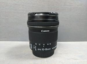 CANON EF-S 10-18 MM F/4.5-5.6 IS STM LEN (LIKE NEW) for Sale in Marietta, GA