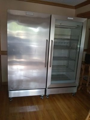 Frigidaire Commercial refrigerator and freezer for Sale in Decatur, GA