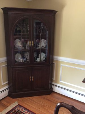 Ethan Allen cherry Georgian Court dining table, chairs and corner cabinet for Sale in Bechtelsville, PA