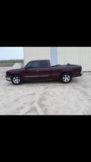 Chevy silverado 2003 142mil millas for Sale in Atwater, CA