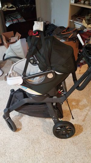 Orbit Baby Stroller And Car Seat Combo for Sale in Monroe, WA