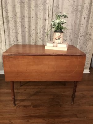 Farmhouse entryway table for Sale in Middletown, NJ