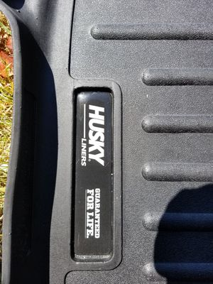 Husky floor liners fits 2016 to 2019 ford escape for Sale in Newark, OH