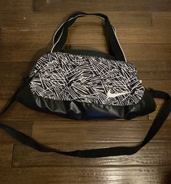 NIKE Duffel Bag for Sale in Mission Viejo,  CA