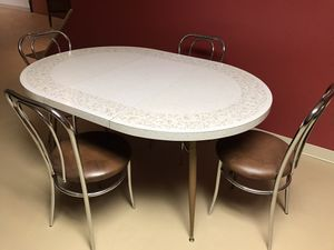 Vintage Formica topped table and chairs for Sale in Schnecksville, PA