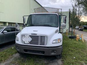 Freightliner M2 106 dump truck for Sale in Miami Gardens, FL