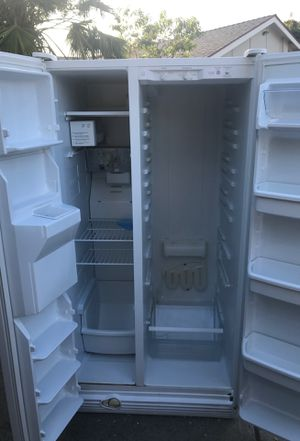 Whirlpool refrigerator for Sale in Fremont, CA