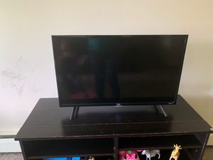 "TCL roku tv 40"" for Sale in Lansing, MI"