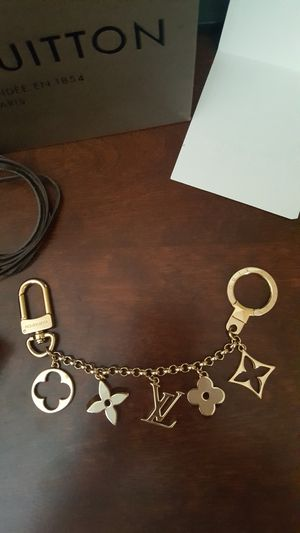 louis vuitton authentic charm chain for Sale in Las Vegas, NV