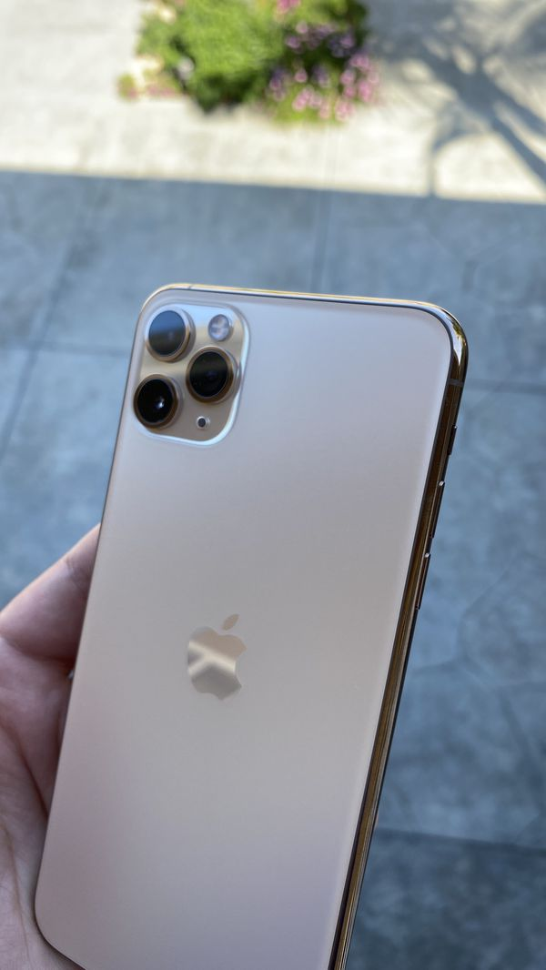 iPhone 11 Pro Max 256GB Factory Unlocked Any Carrier with 1 Year Warranty!