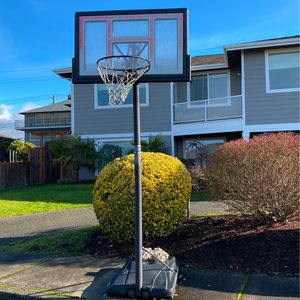 Basketball Hoop Used for Sale in University Place, WA