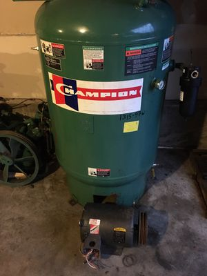Champion air compressor 35cfm 10hp 3phase for Sale in Everett, WA