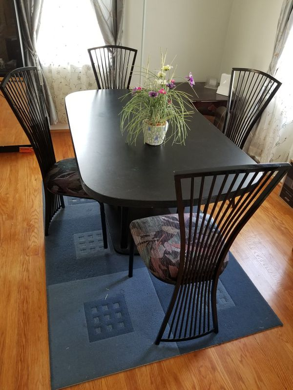 Beautiful antique Dining table & chairs set