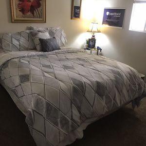 Queen Bed for Sale in Menifee, CA