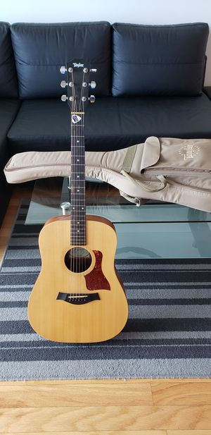 TAYLOR acoustic guitar LIKE NEW, Price is Firm at $300 for Sale in Riverview, FL