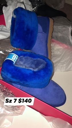 Ugg Boots Women sz 7 for Sale in Raleigh,  NC